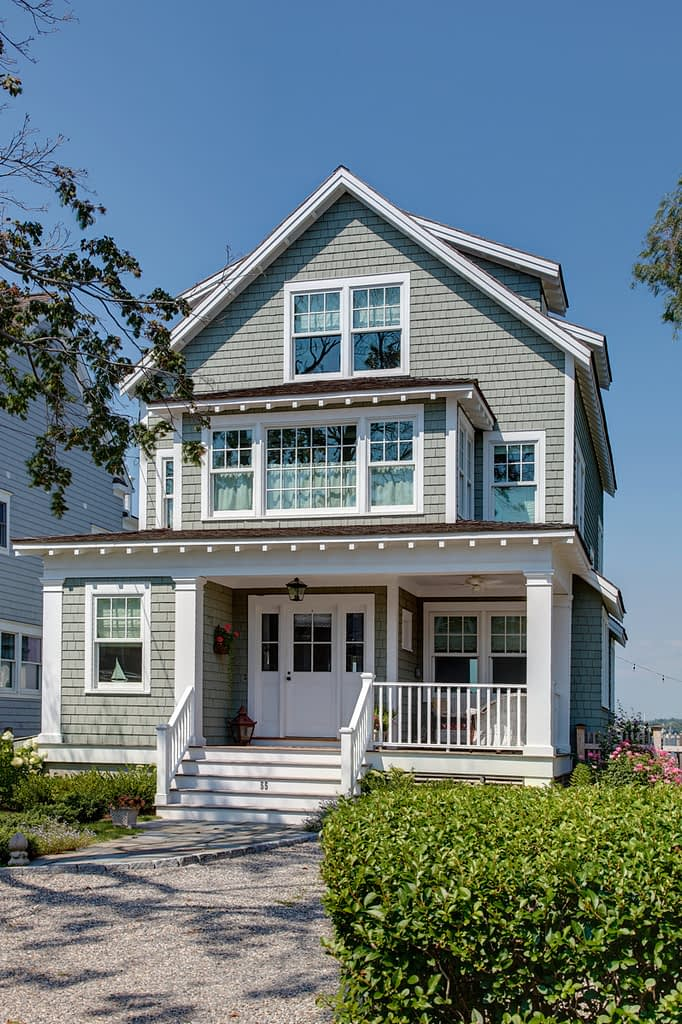 Beach Cottage designed by William Earls, CT Architect
